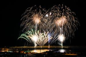 漁港の花火